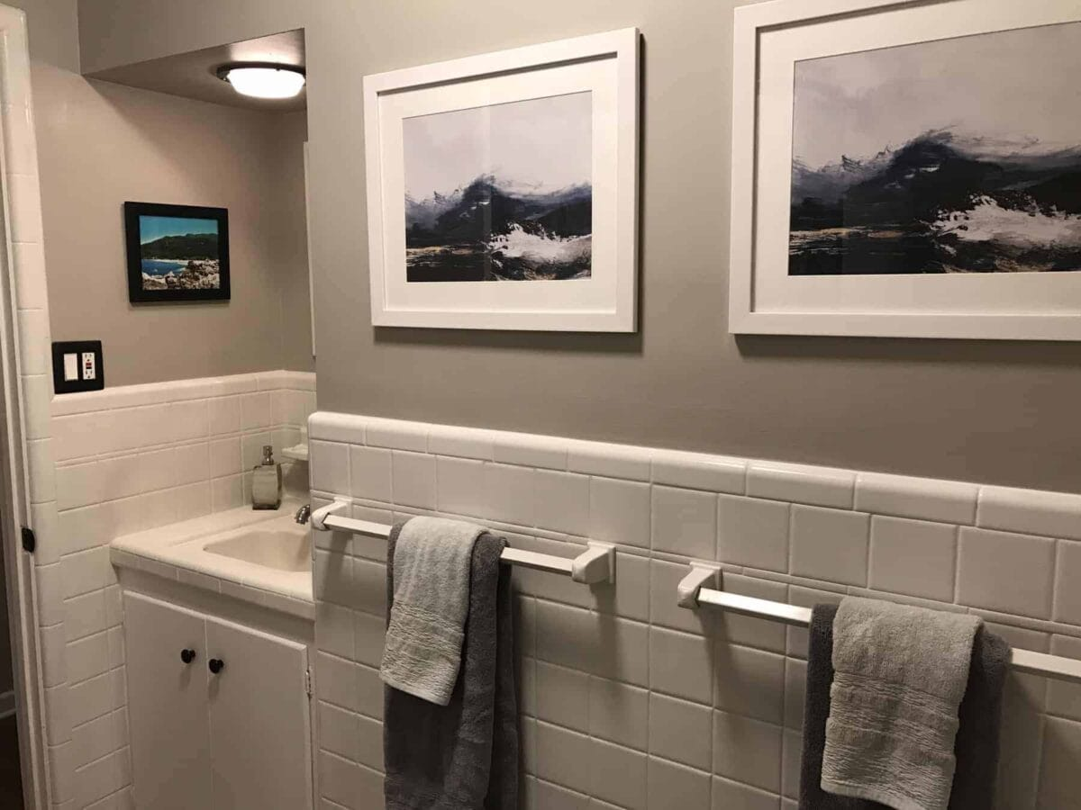 Before after easy diy bathroom update for Bathroom updates